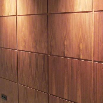 Шпонированные стеновые панели Орех американский